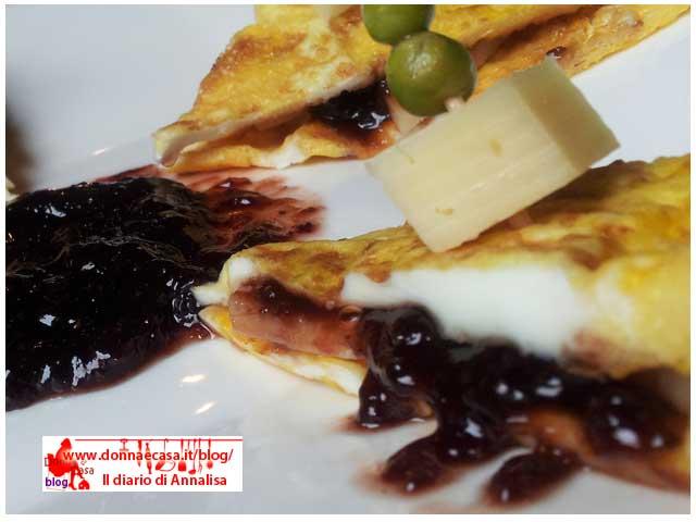 omelette formaggio marmellata di fragole 1