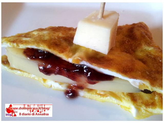 omelette formaggio marmellata di fragole 3