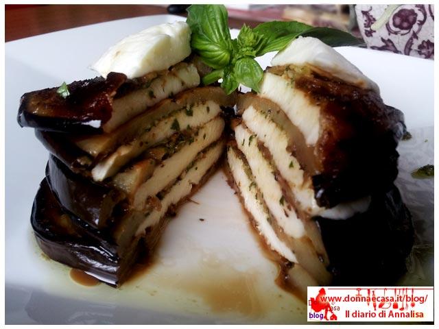 parmigiana fredda melanzane mozzarella pesto porzione tagliata