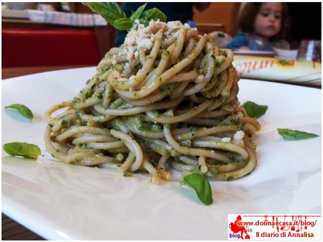 spaghetti integrali con pesto di verdure