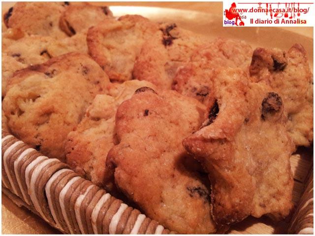 biscotti uvetta e mele da vicino