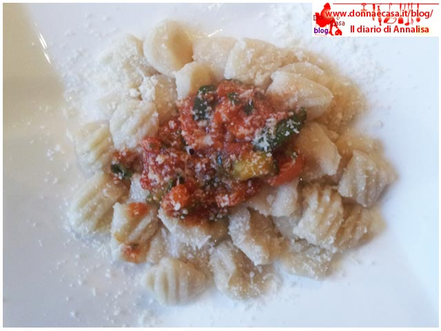 Water Potato dumplings with vegetable sauce