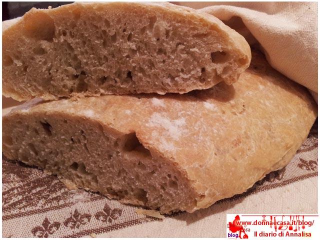 pane senza sale tipo toscano tagliato