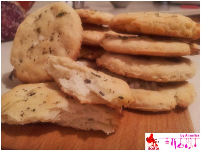 Small flat bread with herbs