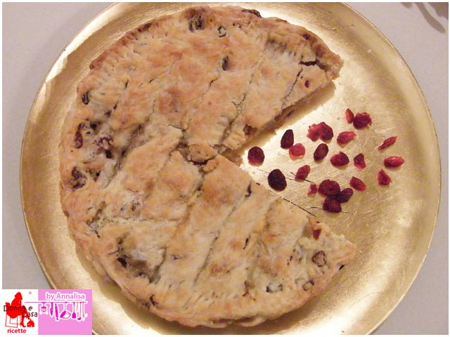 Apple Pie with red fruits