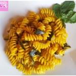 Pasta saffron zucchini