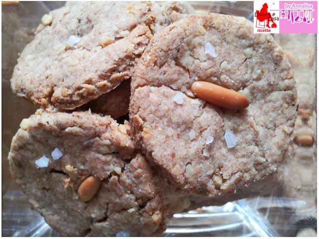 biscotti salati pinoli noci photo 2