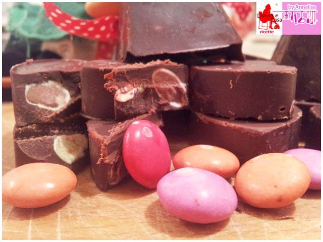 cioccolatini extra fondenti con smarties