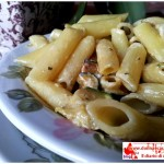 Pasta with cooking cream and zucchini
