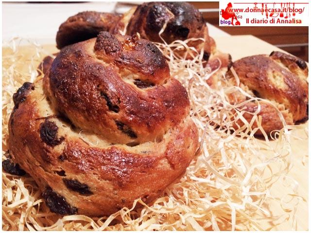 chiocciole di pane dolce e uvetta