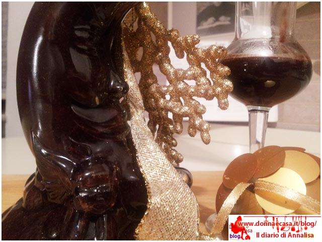 liquore al cioccolato con bicchiere