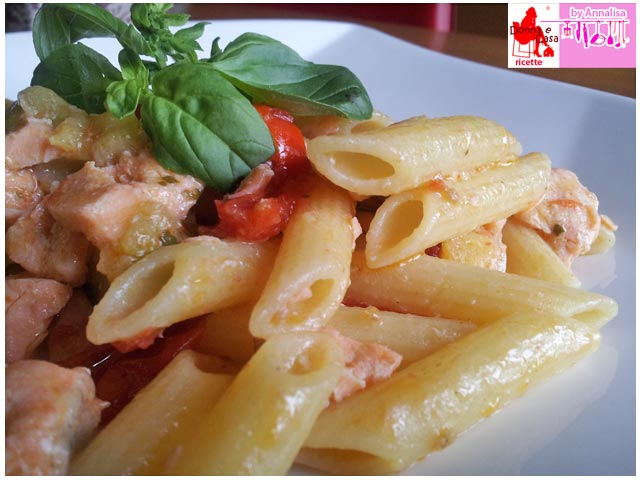 Pasta with salmon cherry tomatoes and zucchini