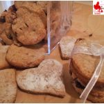 Wholemeal cookies cottage cheese and red fruits