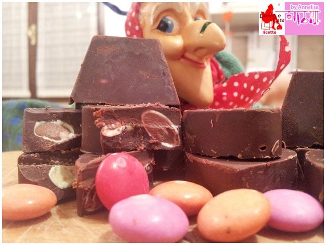 cioccolatini extra fondenti con smarties photo 2