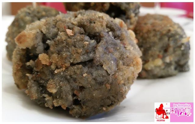 arancini riso nero di seppia photo 2
